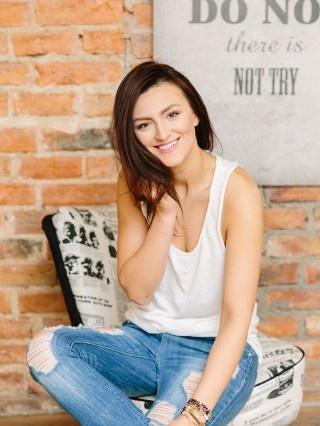 Modelka : Ania Olkowska Foto : https://www.facebook.com/beatingheartsprojekt/?fref=ts Make Up : Katarzyna Markowska Biżuteria : https://www.facebook.com/Gradds-436849956463773/?ref=ts&fref=ts